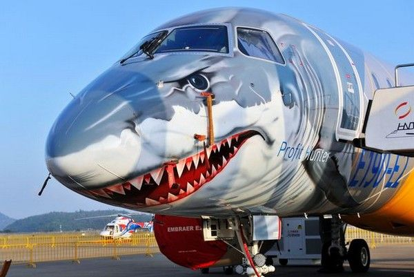 a-shark-painted-airplane