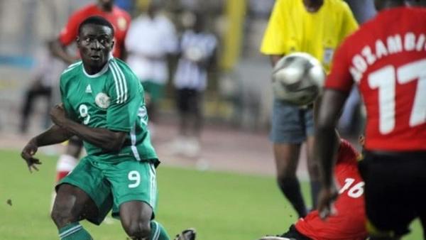 Obafemi-Martins-playing-as-forward-for-Nigeria-National-football-team
