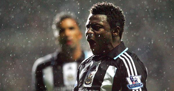 Obafemi Martins roaring in the Newcastle jersey