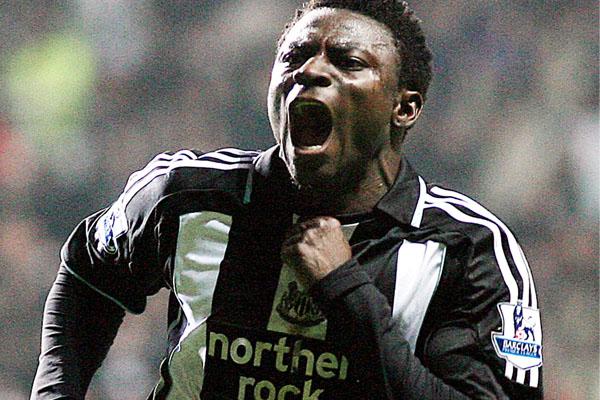 Obafemi Martins celebrating his goal in Newcastle