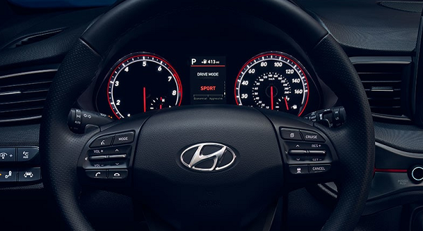 Image-of-a-2019-Hyundai-Veloster-steering-wheel