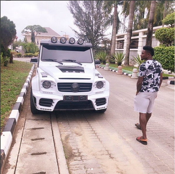 obafemi-martins-wandering-outside-his-house