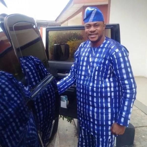 Odunlade-Adekola-black-car