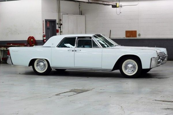 the-1961-lincoln-car