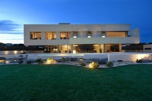 Ronaldo-mansion-in-Spain