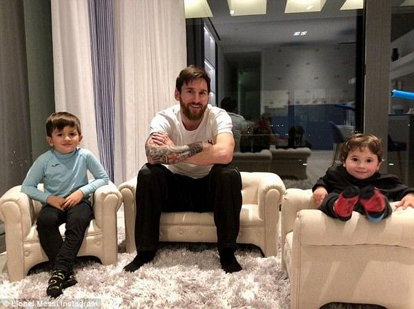 Messi-and-two-sons