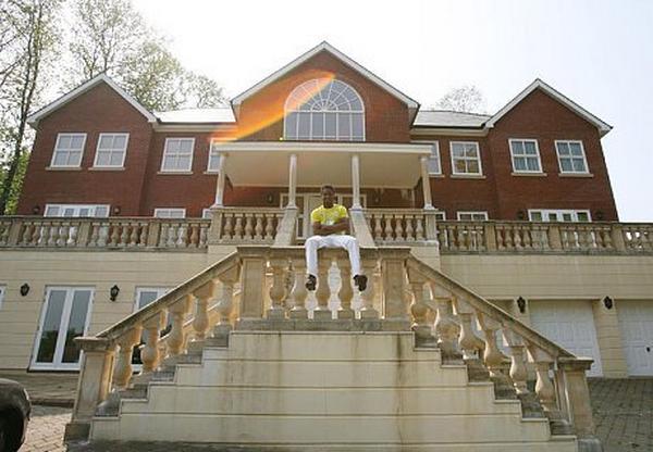 John-Obi-Mikel's-houses