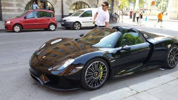 Ibrahimovic-and-Porsche