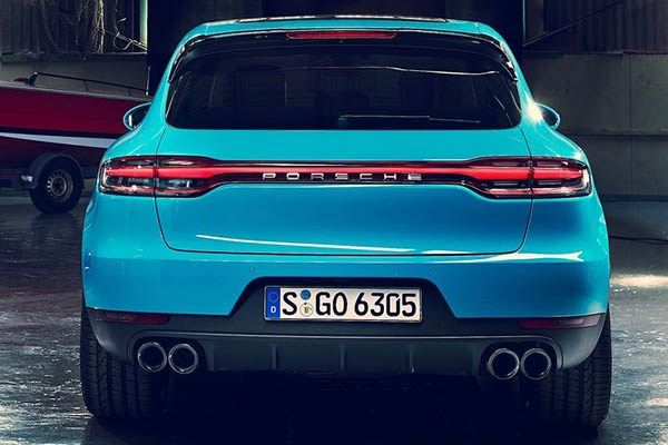 Porche Macan 2019 from the rear view