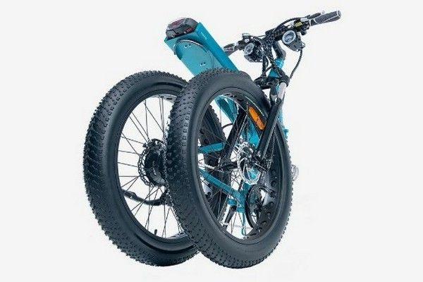 the-Moar-E-bike-holded-in-half
