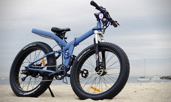 a-blue-Moar-E-Bike