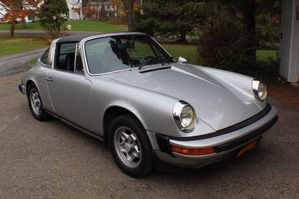 Image-of-a-1974-Porsche-911