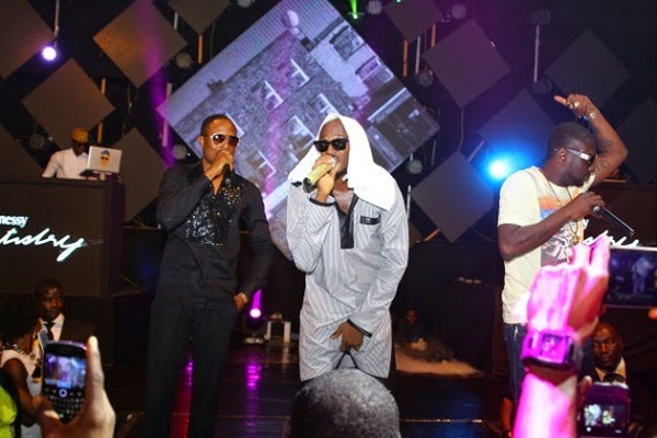 2face-performing-with-faze-and-blackface