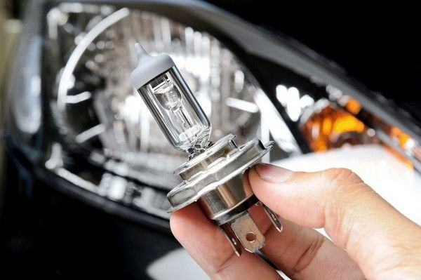 changing-the-headlight-bulb
