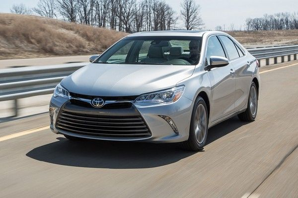 a-Toyota-Camry-2015