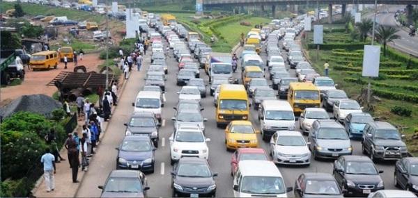 Cars-flowing-into-Lagos-Ibadan-Expressway
