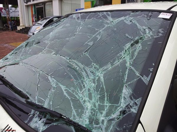image-of-a-broken-windshield