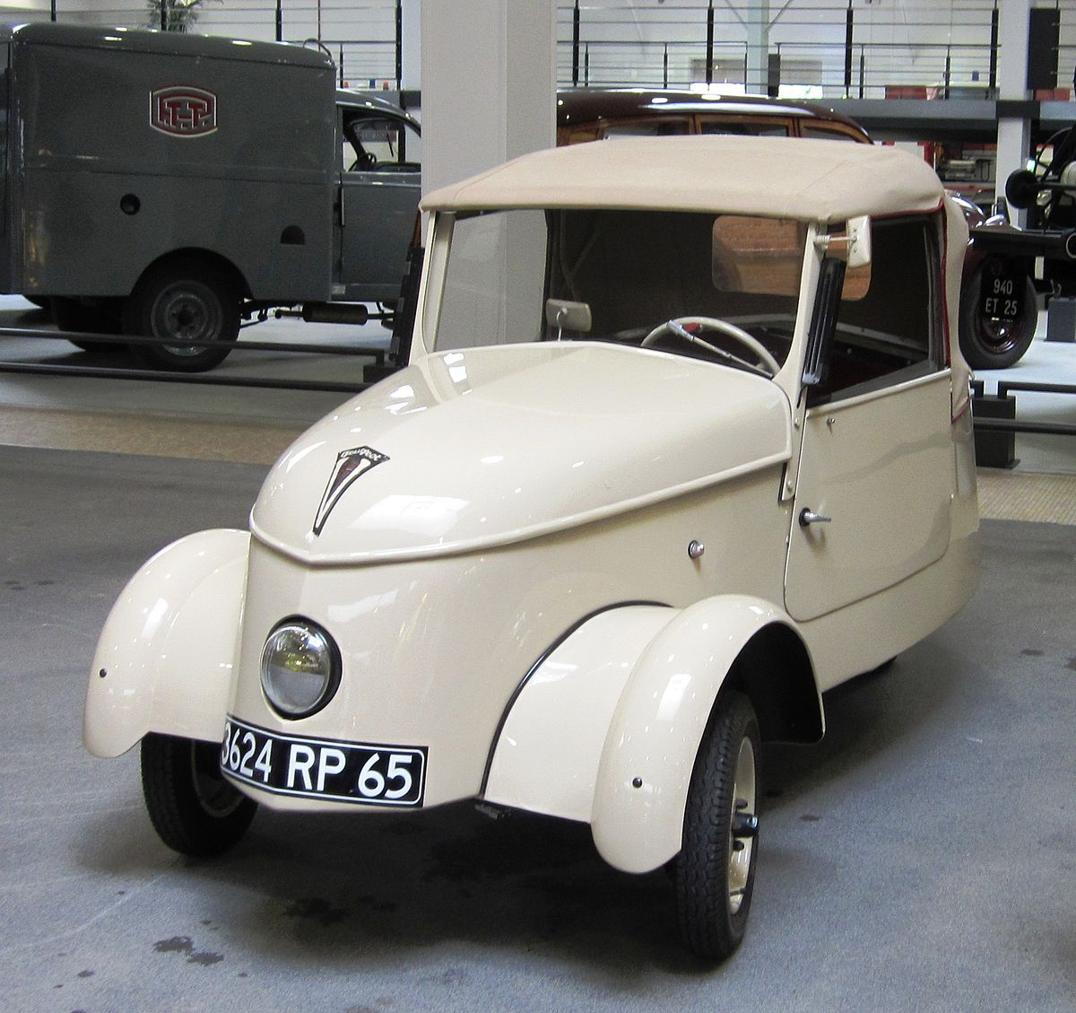 peugeot-first-electric-car