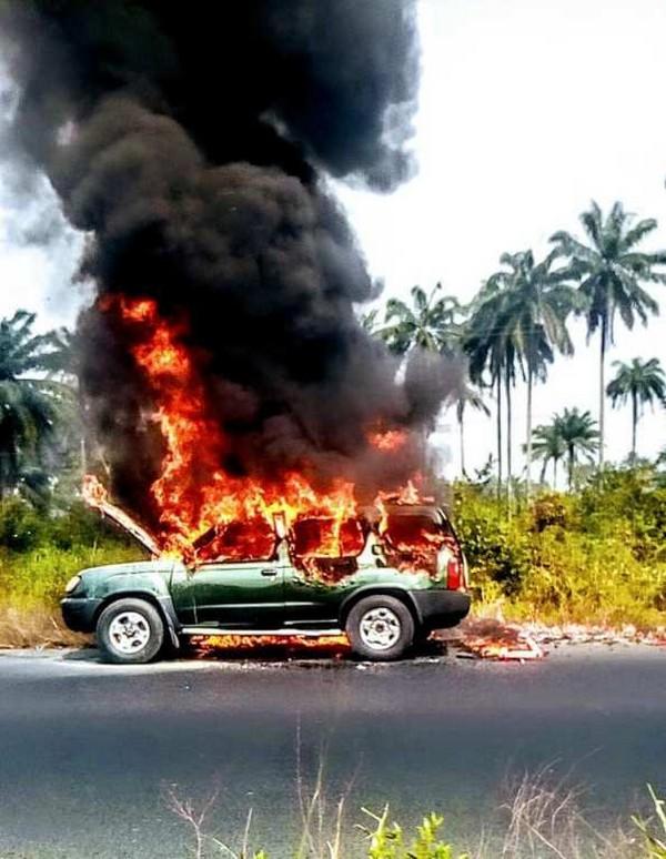 burning-Nissan-Xterra