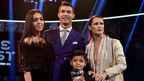 Georgina-Rodriguez-and-Ronaldo