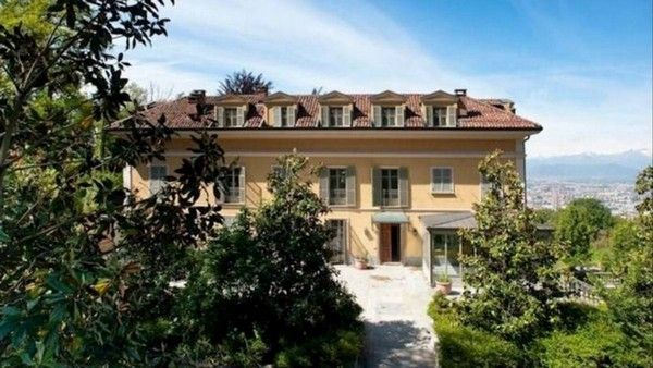Ronaldo-new-house-in-Italy