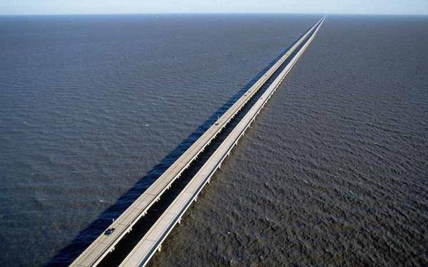 Image-of-the-Lake-Pontchartrain-Causeway-bridge