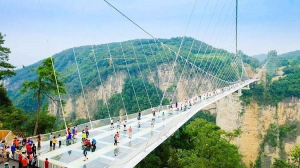 Image-of-the- Zhangjiajie-Glass-Bridge