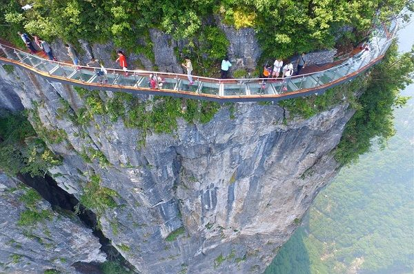 Image-of-the-Tianmen-Mountain-Walkway