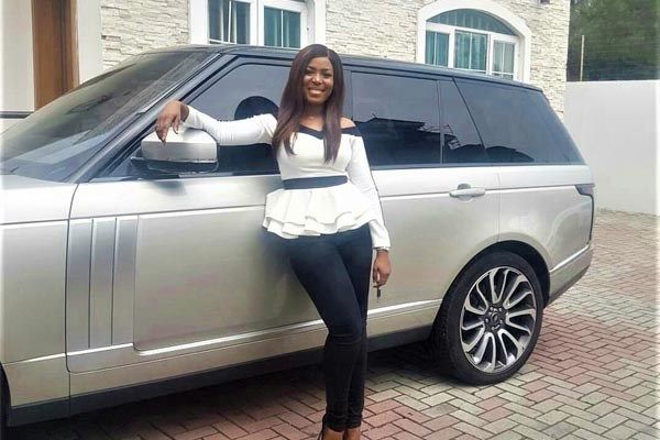 Land-Rover-Autobiography-and-Linda-Ikeji