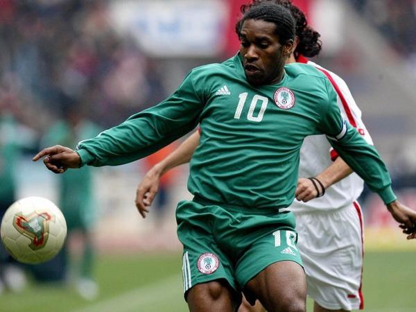 Jay-Jay-Okocha-playing-for-Nigeria