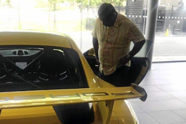 the-yellow-Porsche-GT3-gifted-to-the-rich-boy