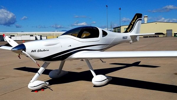Image-of-an-electric-airplane