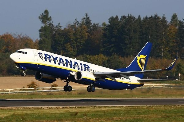 A-Ryanair-plane-takes-off