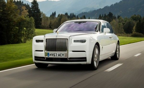 white-Rolls-Royce-Phantom