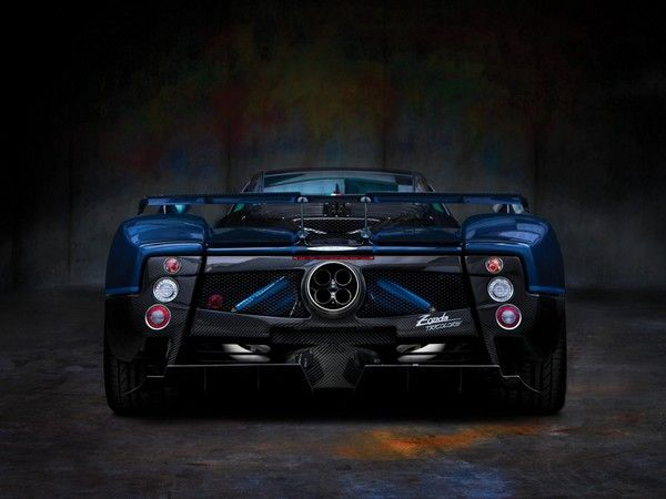 rear-end-of-Pagani-Zonda