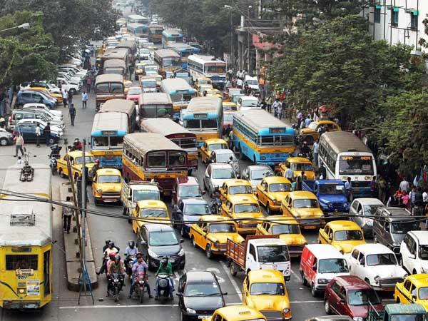 crowded-roads-in-Kolkata-city
