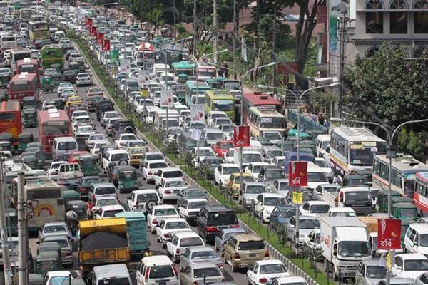 crowded-roads-in-Dhaka-city