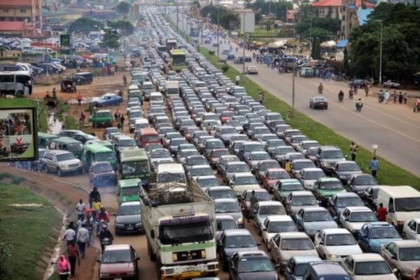 crowded-streets-in-Nairobi-Kenya
