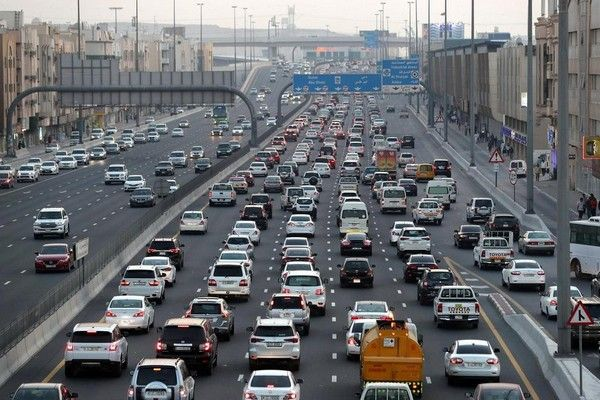 crowded-roads-in-UAE