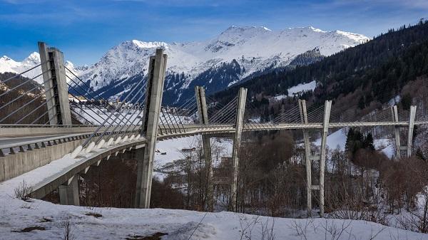 Image-of-the-Sunniberg-Bridge-Switzerland