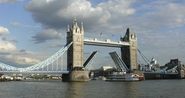 Image-of-the-Tower-Bridge-England