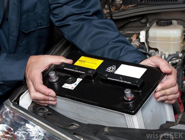 image-of-a-man-disconnecting-car-battery