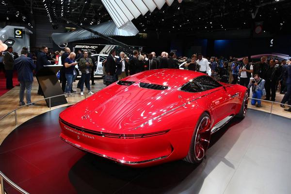 angular-rear-of-the-vision-Mercedes-Maybach-6