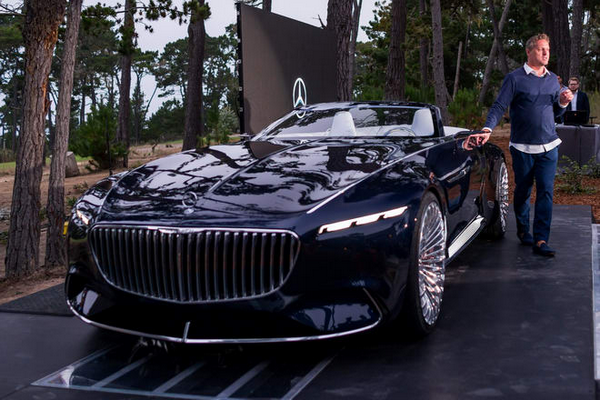 Vision-Mercedes-Maybach-6-convertible-introduction-at-a-show