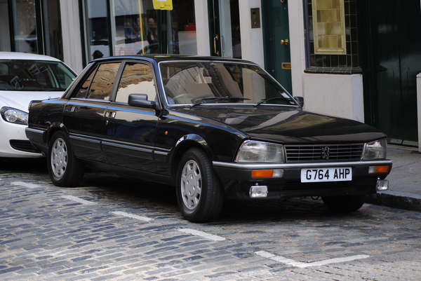 Black-Peugeot-505