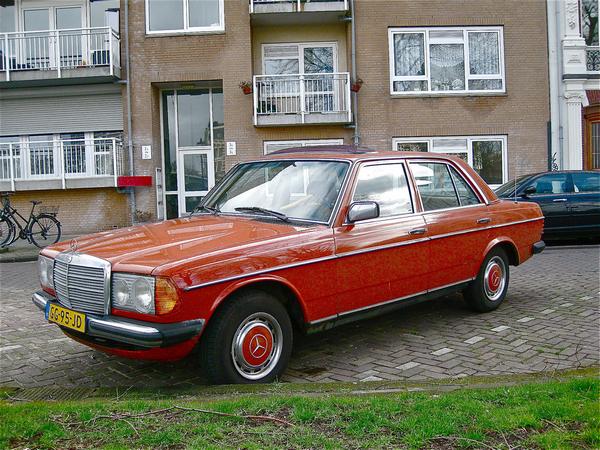 orange-Mercedes-Benz-W123