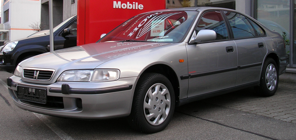 Silver-Honda-Accord-1990
