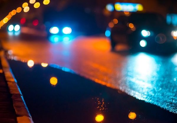 image-of-cars-on-the-road-at-night