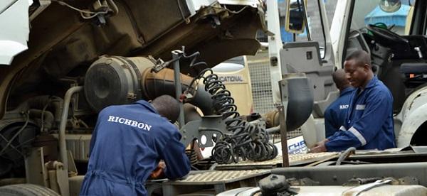 image-of-black-mechanics-working-on-a-vehicle