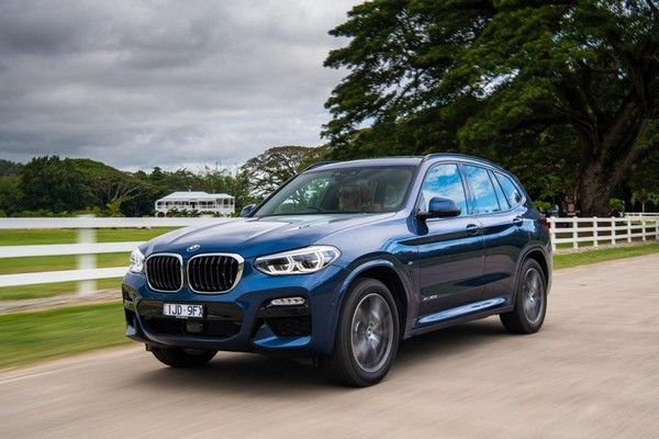 a-BMW-X3-on-road